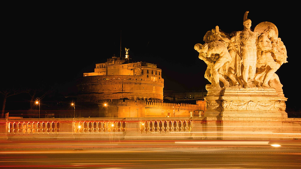 Castel Sant'Angelo, Giulio D'Ercole photography, Photography tours in Rome, discover Rome, photography walks in Rome. Photography workshop in Rome, learn photography in Rome, architecture photography, professional photographer in Rome, guided tours in Rome. the golden hour in Rome, Beauty of Rome, shooting in Rome, Rome by day, Photographing the eternal city, corso vittorio, vatican city, papal fortress, mausoleo Adriano, street photography, rome by night, night photography, magic in Rome, Mysterious Rome, Charm in Rome, Professional photography in Rome