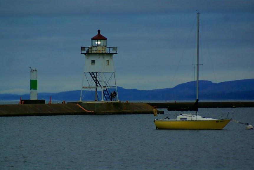 Grand Marais lighthouse.jpg