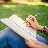 fashion-woman-notebook-pen-34072.jpg