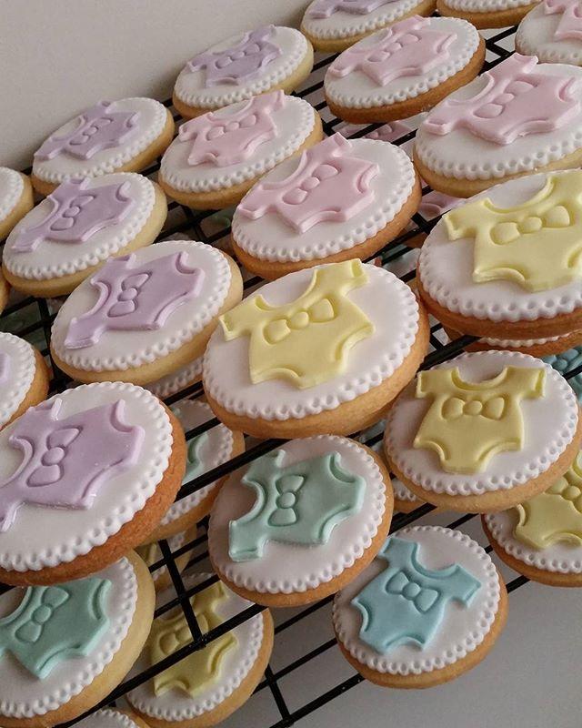 #cookies #onsies #pemulwuycupcakes #homebaker