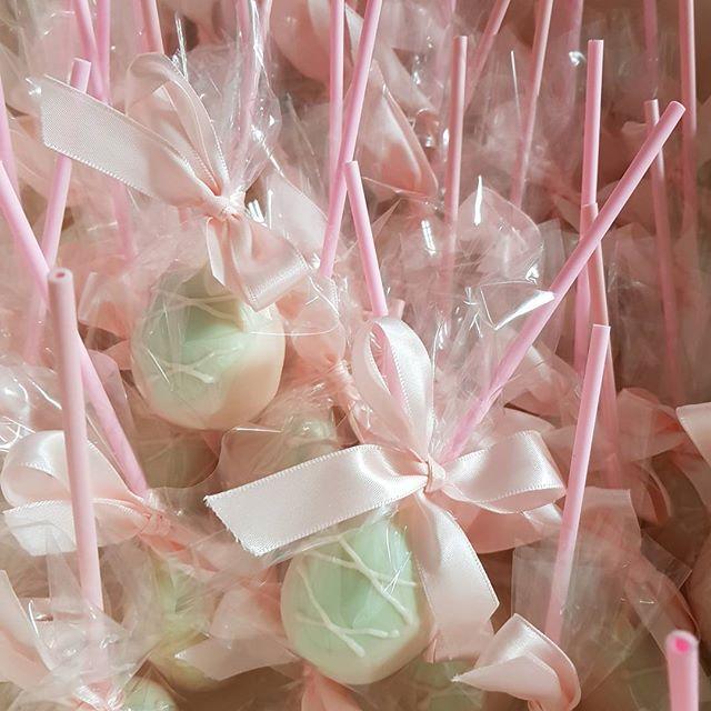 Prettiest cake pops ♡ _#ballet #pink #balletslippers #cakepops #pemulwuycupcakes  #dancing ##birthda