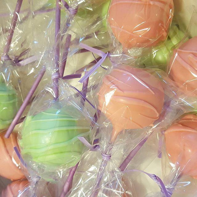 #cakepop #pemulwuycupcakes #brights #customorder #sydneysweets ☆