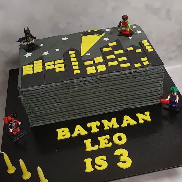 #lego #batman #buttercream #pemulwuycupcakes #legobatman #actionheros #boyscakes #thirdbirthday #hbd