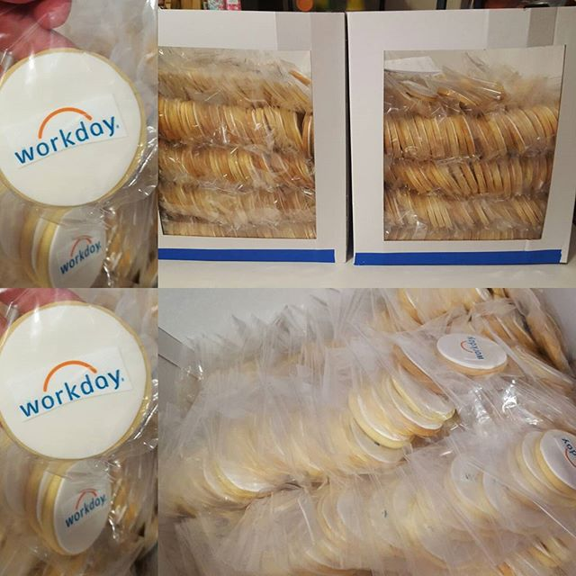 What a busy few days that was!! 1020 cookies for a ricoh workday promotion ☆ thanks to all that help