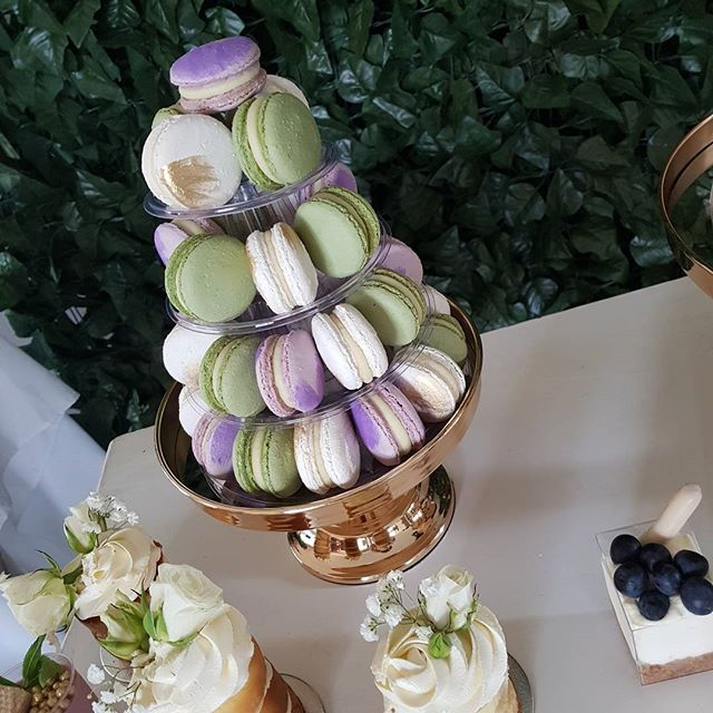 L O V E this colour combo ♡__#macarons #dessert #kitchentea  #bridalshower # #pemulwuycupcakes _wedd