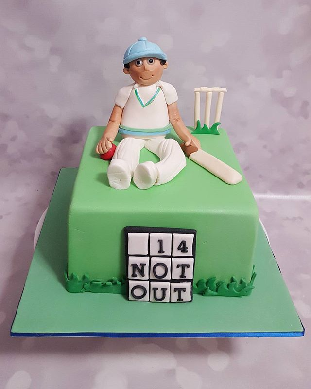 14th birthday cake for one of my regulars _) #cricket #happybirthday #fondantcakes #handmade #howzat