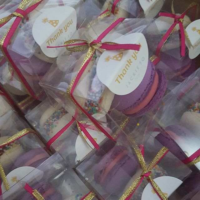 40 of the cutest macaron party favors_#redskin #nutella #macarons _Pemulwuy #custom #party #thirty #