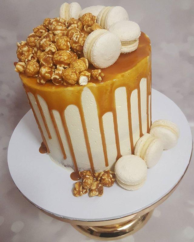 Yummy #saltedcaramel #dripcake #pemulwuycupcakes #sydneycakes #thatdrip #caramelmud #delicious #best