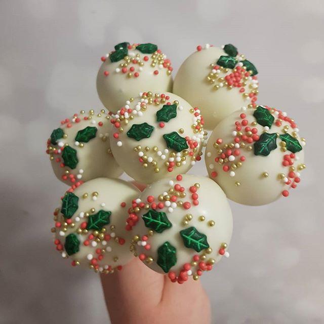 #christmas #cakepops #pemulwuycupcakes #festive #hohoho🎅