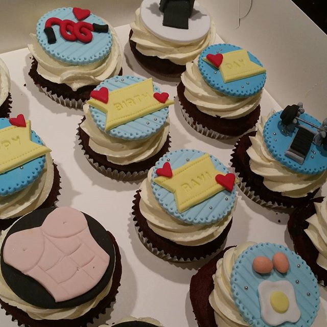 Gym themed cupcakes__#pemulwuycupcakes #cupcakes #birthday #gym #fitness #workout #bench #weights #e