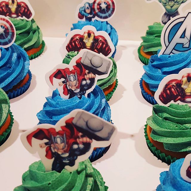 Avenger themed cupcakes with edible action figure toppers _#avengers #cupcakes #pemulwuycupcakes #bo