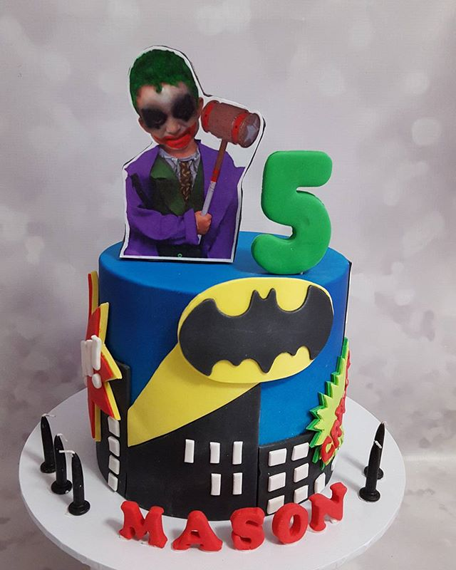 Happy 5th birthday to Mason! _heavenlyinvites _#customcakes #batman #joker #five #boyscakes #boy #ki