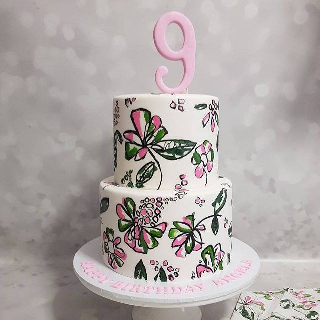 Loved creating this pretty cake for angela ♡ hand painted design to match her party decor