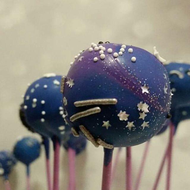Galaxy cake pops ☆☆☆_#stars🌟 #galaxy #pemulwuycupcakes #cakeart #cakepop #sydneycakes
