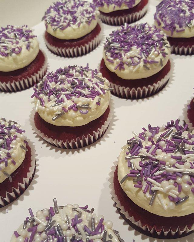 ♡♡♡_#redvelvet _#cupcakes _#sprinkles_#yummy_#pemulwuycupcakes