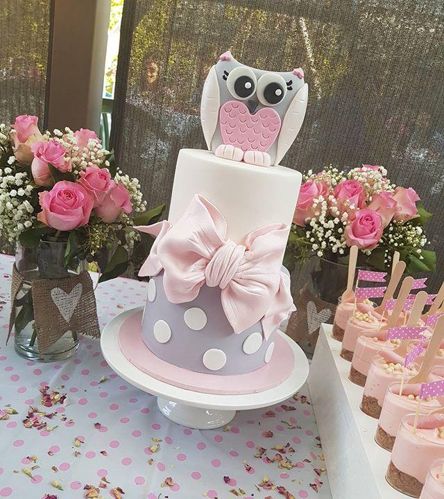 ♡Baby shower cake ♡ _# babyontheway #itsagirl #pemulwuycupcakes #pink #owl #babygirl #caramelmud #ca