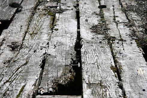 Tanzite  STONEDECK vs wood.jpg