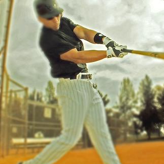 Batter swinging bat- RHH.png