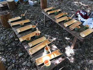 8/8.22 河原でのびのび遊ぼう!自分で作った箸と器で流しそうめんを食べよう!