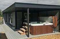 hot-tub-garden-room-from-composite-garde