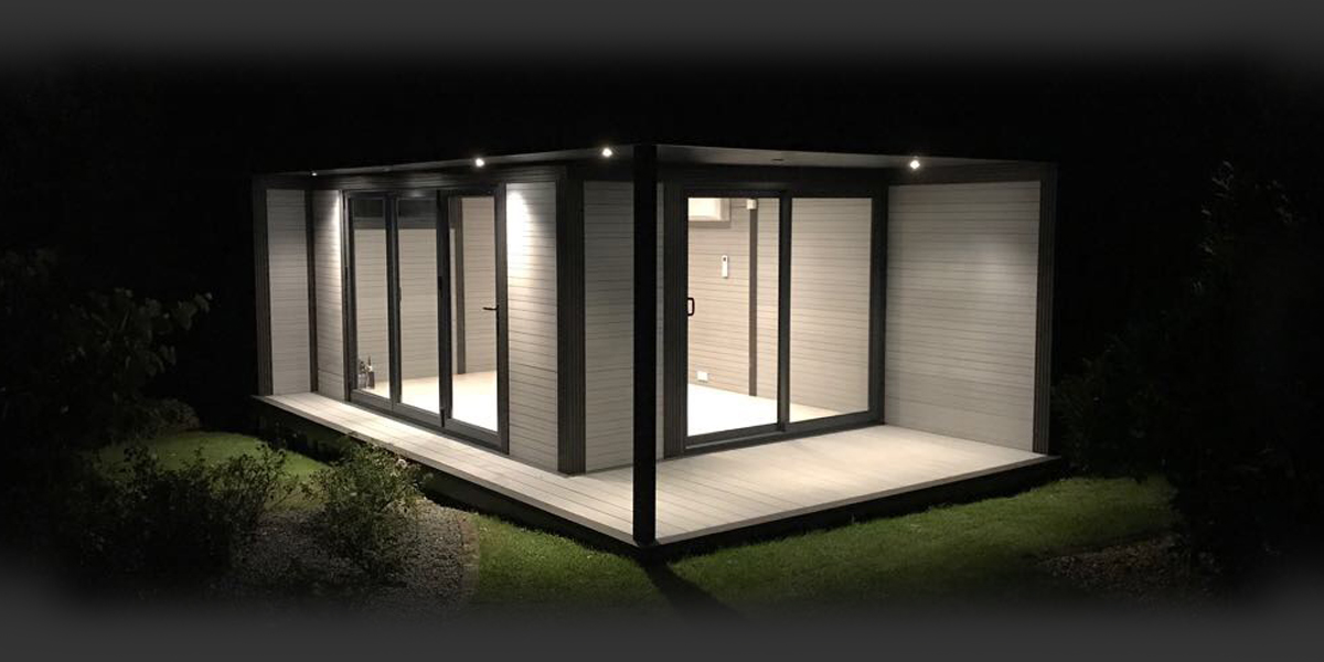 garden-room-with-external-lighting
