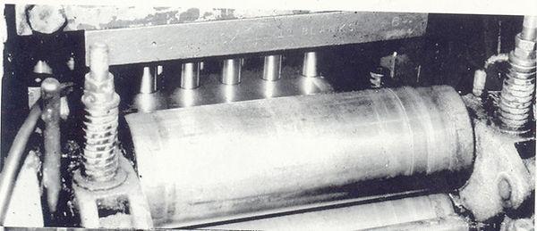 מכונת ניקוב אסימונים למטבעות