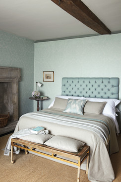 Zoffany - Town & Country Wallpaper & Fabric