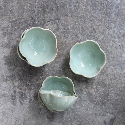 Ceramic Scalloped Bowl Mint
