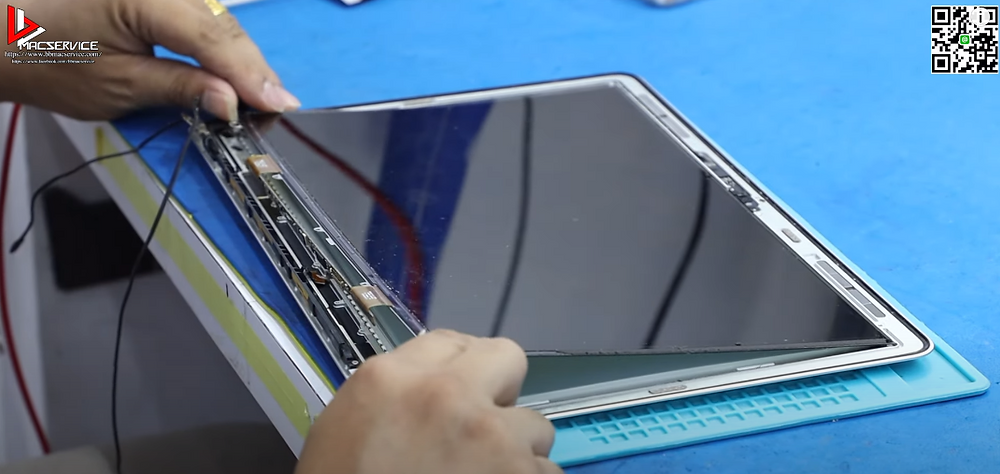 เปลี่ยนจอ LCD Macbook Air
