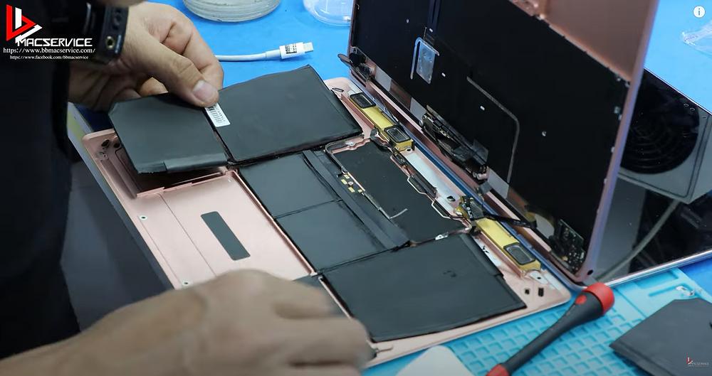 เปลี่ยนแบตเตอรี่ macbook air