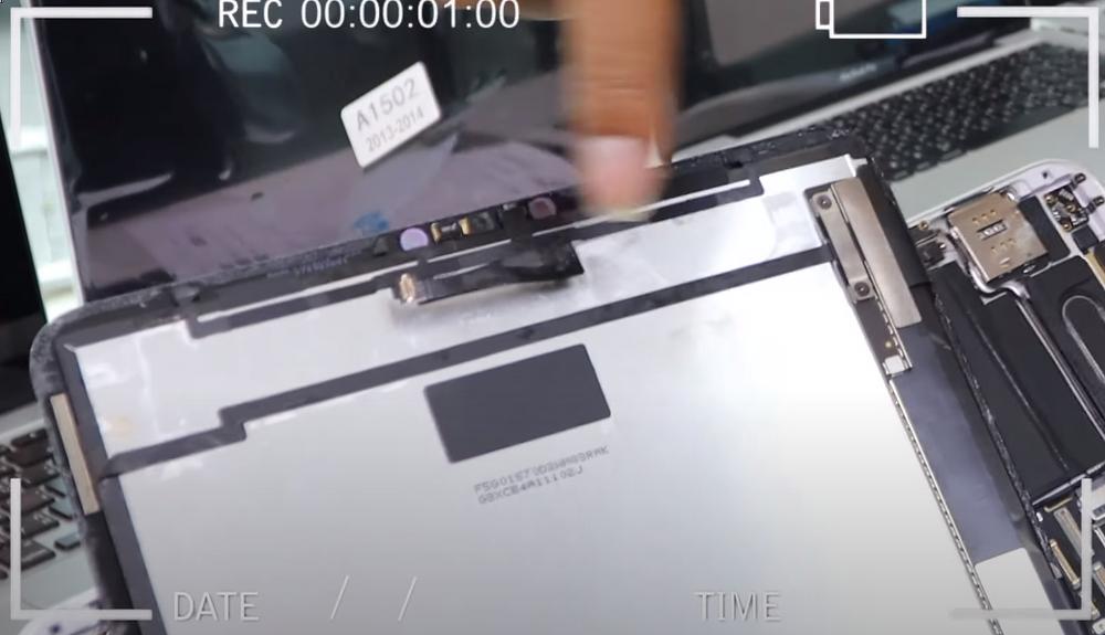 iPad Pro 11 นิ้ว เครื่องโดนน้ำ