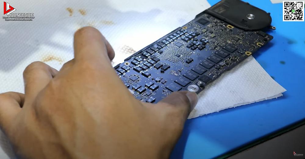 ซ่อม Macbook Retina