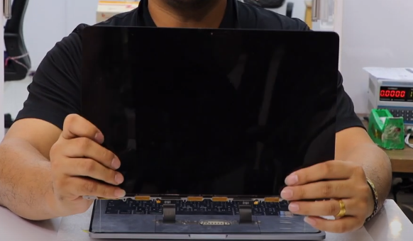 เปลี่ยนจอ LCD macbook