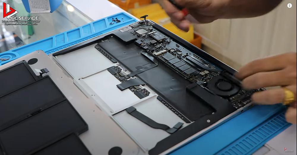 """ซ่อม Macbook Air 13"""""""