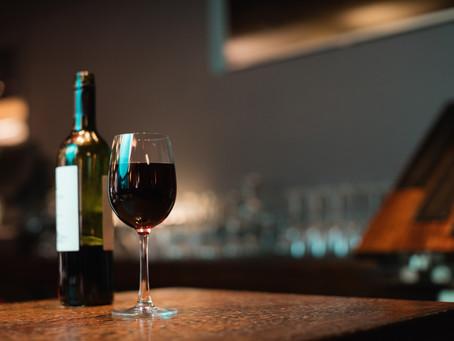 Etiqueta de vino: ¿Qué es lo esencial y cómo interpretarla?