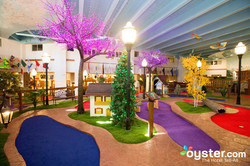 indoor-mini-golf-course