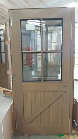 Door with electronic lock