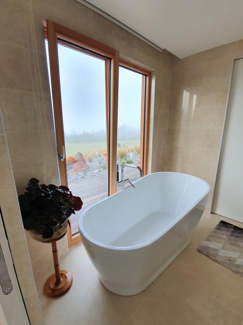 Bathroom tilt window