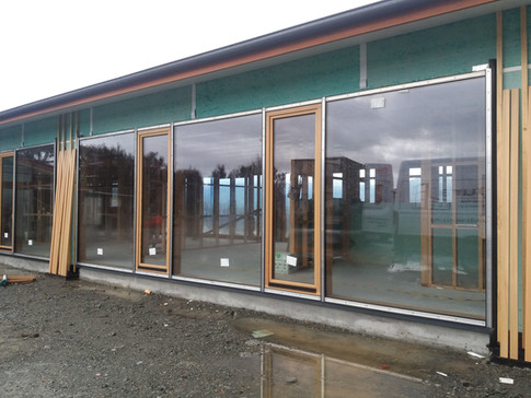 Curtain wall assembly