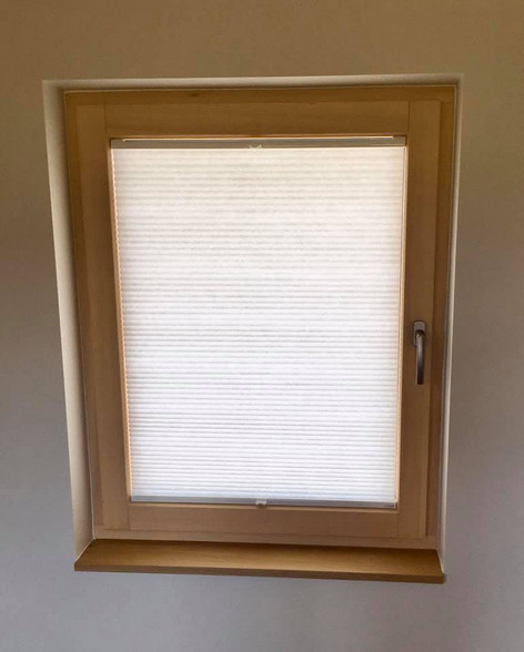 ThermaDura tilt & turn window with Twingo blind