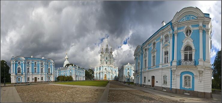Регистрационная палата Санкт-Петербурга 1991-2002. Здания справа.