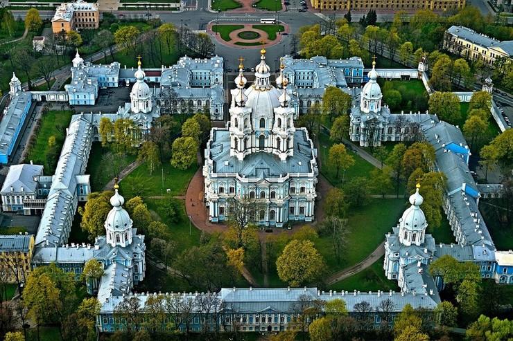 Регистрационная палата Санкт-Петербурга 1991-2002. Здание вверху, чуть левее центра.