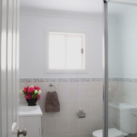 gwydir_bathroom.jpg