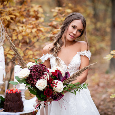 Wedding photographer as a full-time job?  Here are 7 steps on how to make that happen!