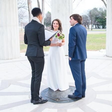 Maureen and Eric wedding at DC War Memorial