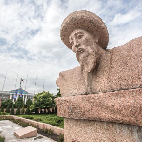 Памятник Манасчы