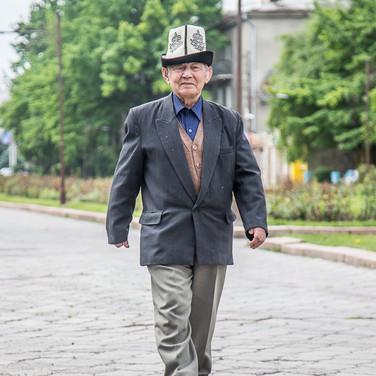 Дедушка в Бишкеке