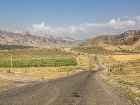 """Программа тура """"Между Севером и Югом"""". Весенняя Киргизия - акварельный тур с Анастасией Ку"""