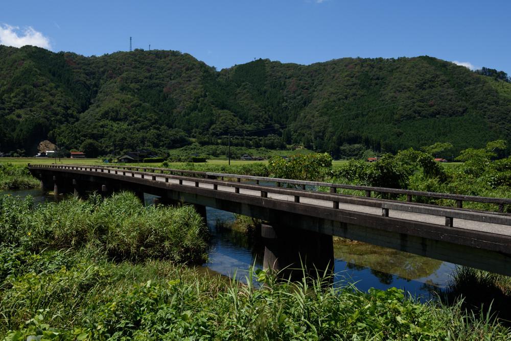 レトロな橋 / Retro bridge