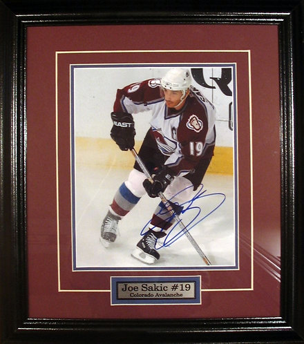 Sakic, Joe Autographed Avalanche 8x10 Photo Framed